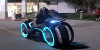 BMW Reveals a Tron-Style Futuristic Motorbike That's Impossible To Tip Over