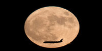 Holidays on the Moon Will Be Possible In a Decade - But a Ticket Will Cost You £8000
